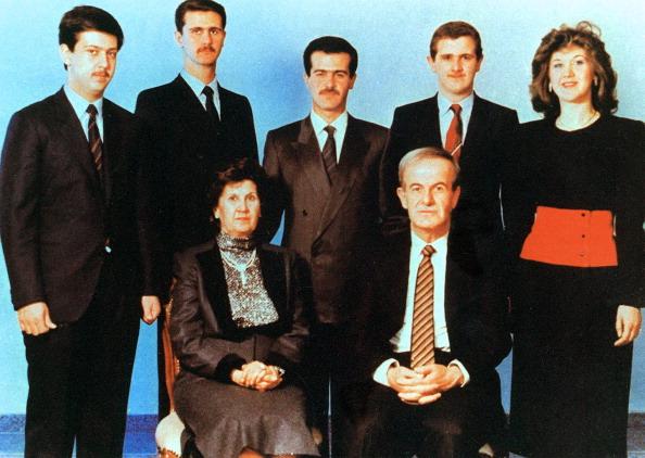 استطاعت عائلة الأسد البقاء وفرض نفسها بالقوة عدة مرات (لؤي بشارة/ أ.ف.ب)