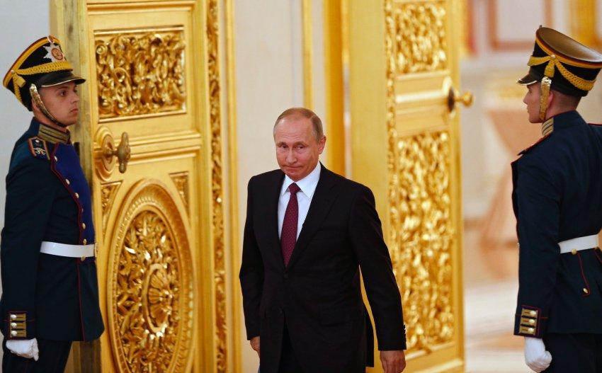الطريقة التي تنتخب بها روسيا رئيسها، مثال على الديمقراطية الزائفة (أسوشيتد برس)