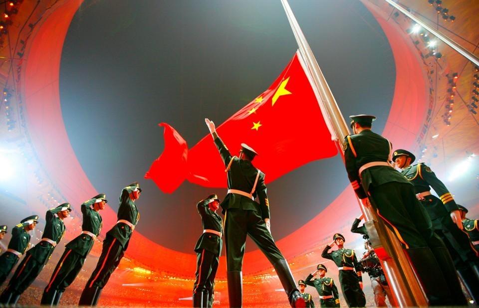 تستعيد الصين مكانتها فيما تعيش المجتمعات الغربية شيخوخة متفاقمة (رويترز)