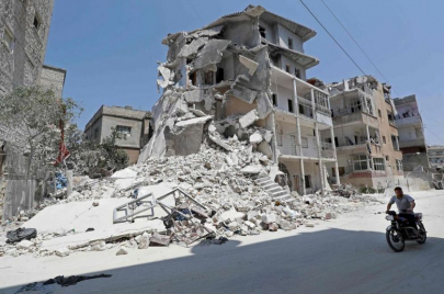 المدنيون في إدلب.. ورقة بيد النظام وروسيا