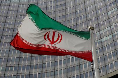 الأمريكيون والإيرانيون يتوجهون إلى عقد جولة سادسة من المباحثات
