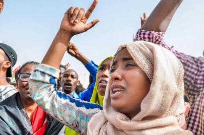 مليونية الدولة المدنية.. قطار الثورة السودانية يشق طريقه الوعر