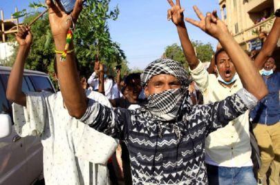 عام الثورة على المأساة في السودان