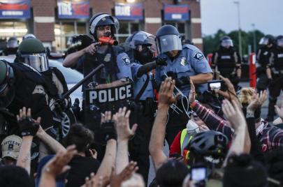مراسلون على شفير القمع.. الشرطة الأمريكية تستهدف الصحفيين
