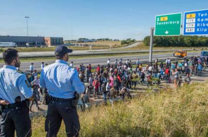 انتقادات بعد شروع الدنمارك بترحيل وإلغاء تصاريح الإقامة للاجئين السوريين