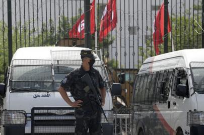 تونس بعد انقلاب قيس سعيّد.. قلق مالي ومعيشي ومخاوف من تدهور أكثر للاقتصاد