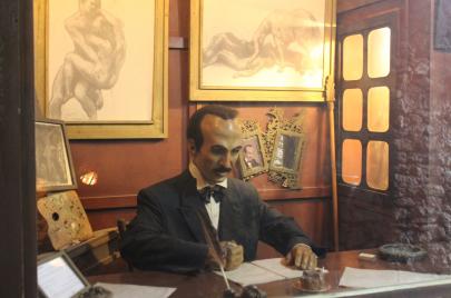 متحف الشمع.. التاريخ اللبناني يتراكض بين الغرف