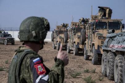 تحذيرات أمريكية لموسكو من إقامة معقل لها في ليبيا.. ومخطط لإرسال لواء إلى تونس