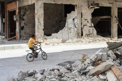 تحت التعذيب والقصف.. طريقان للموت في سوريا