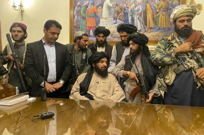 تقدير موقف: خلفيات عودة طالبان إلى حكم أفغانستان وتداعياتها