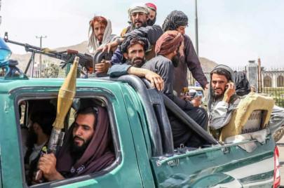 المشاورات مستمرة بشأن طبيعة نظام الحكم الجديد في أفغانستان