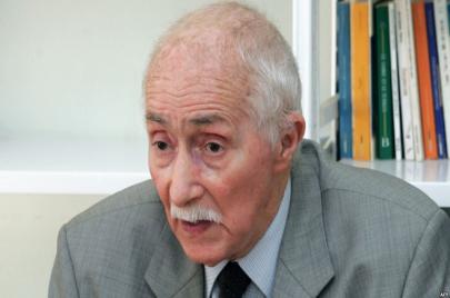طرد عميد الحقوقيين الجزائريين من منزله في سنّ الـ98.. انتقام من النضال