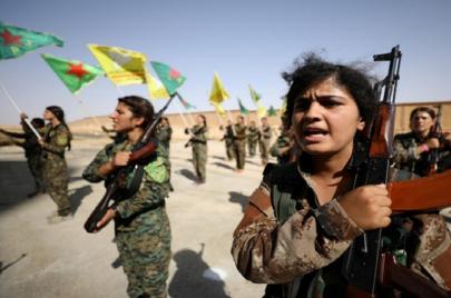 مقاتلون أطفال في معسكرات قوات سوريا الديمقراطية