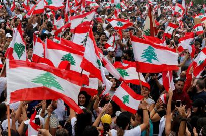 السلطة تلجأ إلى العنف والانتفاضة اللبنانية مستمرة