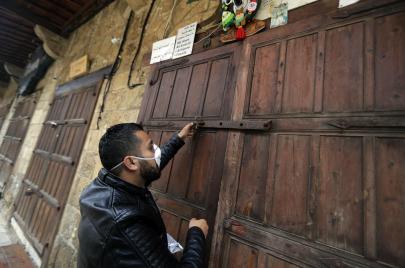 من العلاج باليانسون إلى العجز الجنسي.. إشاعات لبنانية في زمن كورونا