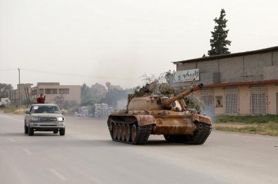 تصعيد متواصل في ليبيا.. ما السيناريوهات المحتملة أمام الأزمة؟