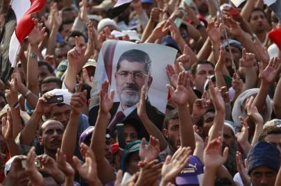 وفاة محمد مرسي.. الرئيس المنتخب الوحيد في مصر ضحية للقتل البطيء