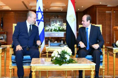 السيسي يلتقي برئيس الوزراء الإسرائيلي في شرم الشيخ