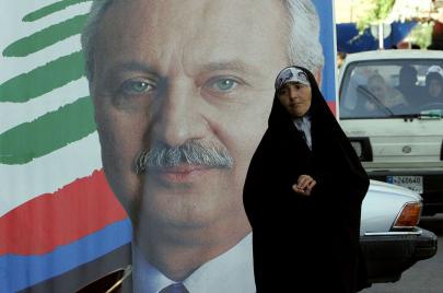 #الصفدي_ساقط_بالشارع.. اتهامات بالفساد للمرشح لتشكيل الحكومة اللبنانية