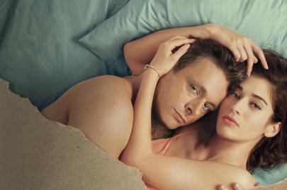 كيف أصبحت المسلسلات الأمريكية أكثر جرأة في عرض المشاهد الجنسية؟