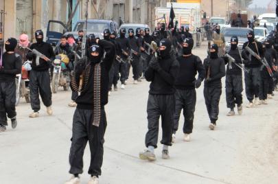 انسحاب جديد لداعش بالاتفاق مع نظام الأسد.. من جنوب دمشق نحو