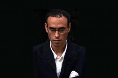 عماد أبو صالح.. الشعر في المزبلة