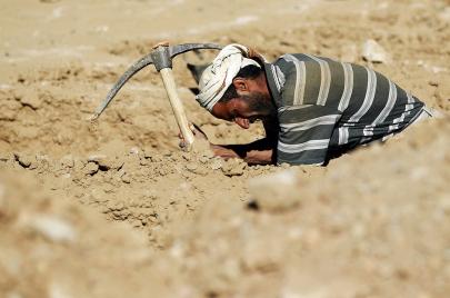 مقابر اليمن.. خفف الوطء