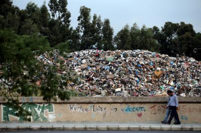 جعفر قرب مكب النفايات