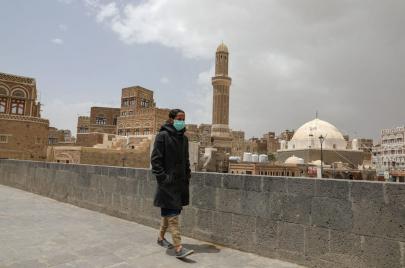 وزير الصحة اليمني يستفز سخرية الرأي العام في السوشال ميديا.. لماذا؟