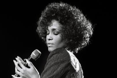 فيلم Whitney.. كيف يخون الوثائقي موضوعه؟