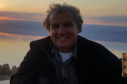 زياد خداش: أكتب لأستدرج التعافي