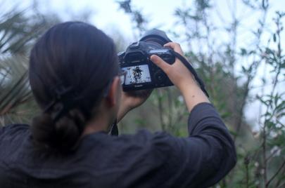 أصغر مصورة فلسطينية تحلم بالصوت والصورة