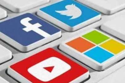 اختفاء منشورات من فيسبوك وتويتر ويوتيوب.. الجاني هو أنظمة الذكاء الاصطناعي!