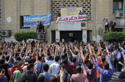 الحركة الطلابية في مصر.. نضال أبعد من الحدود القُطرية قبل القمع المميت