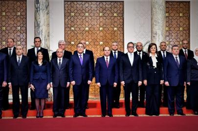 الحكومة المصرية الجديدة.. الولاء والتوفير سر الاختيار
