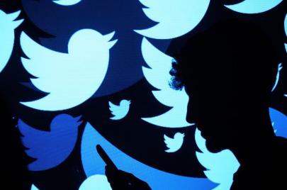 الحسابات الوهمية على تويتر.. سلاح سعودي مفضوح