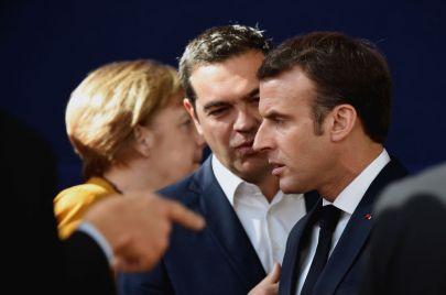 رهانات ميركل وماكرون.. استمرار الهيمنة على أوروبا مع أو بدون
