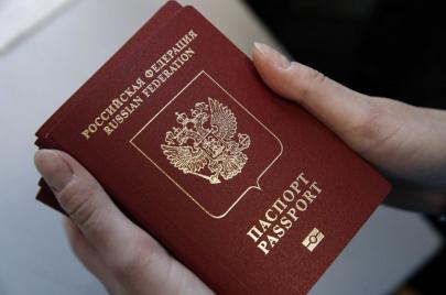 موسكو تسهّل متطلّبات الحصول على الجنسية الروسية.. فما أسباب ذلك؟