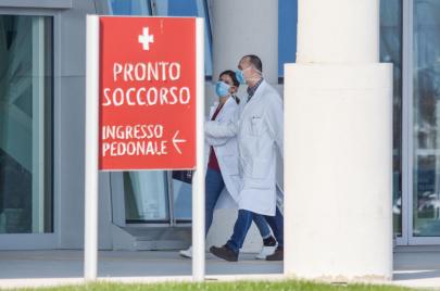 انتشر الفيروس في إيطاليا.. تأجيل أكثر من 90 مباراة بسبب