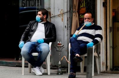 هل يساهم التدخين في الإصابة بمضاعفات أخطر من مرض كورونا الجديد؟
