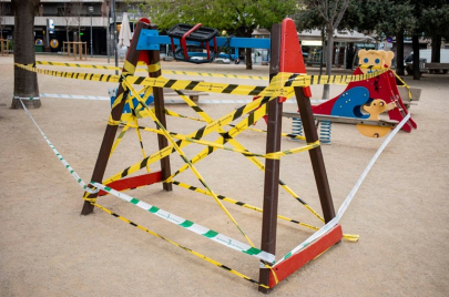خبراء: يفضّل عدم خروج الأطفال إلى الأماكن العامة وساحات اللعب