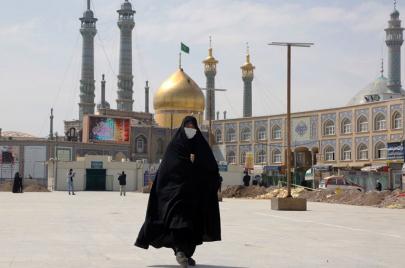 خرافات كورونا القاتلة.. 300 إيراني يموتون