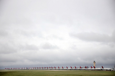 شاهد.. مطارات العالم متوقفة عن العمل بسبب أزمة كورونا