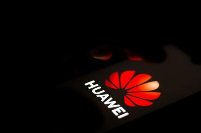 هواوي تتقدم على سامسونج لأول مرة لتصبح الأولى عالميًا في مبيعات الهواتف الذكية