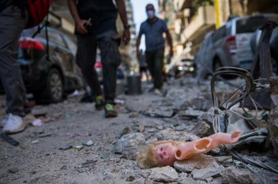 بيروت منكوبة: حملات عالمية على السوشال ميديا لدعم لبنان والتضامن مع بيروت