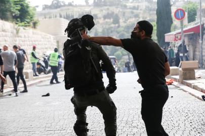 مشاهير عرب وأجانب يتضامنون مع القدس