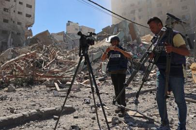 إسرائيل تستهدف الإعلام بشتى الطرق وسياسات منصات التواصل تساعدها