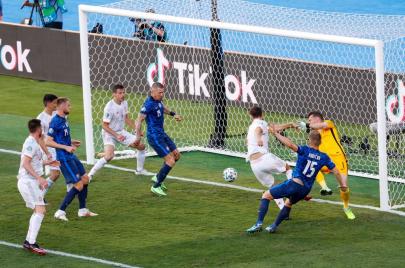 إسبانيا تسترجع هيبتها بخماسية في سلوفاكيا.. والسويد تطيح ببولندا خارج يورو2020