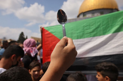 الأسرى الفلسطينيون وكَسْر وهْم المراقبة الدائمة