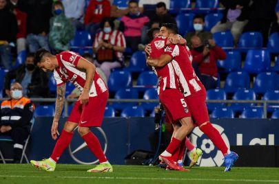 سجّل هدف الفوز في الوقت القاتل.. سواريز يقود أتلتيكو مدريد لصدارة الليغا